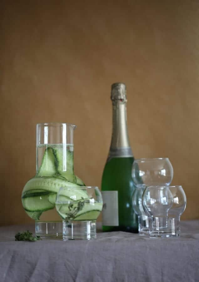 Ro_Carafe&Glass_clear_styling1