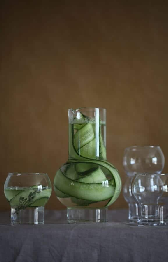 Ro_Carafe&Glass_clear_styling3