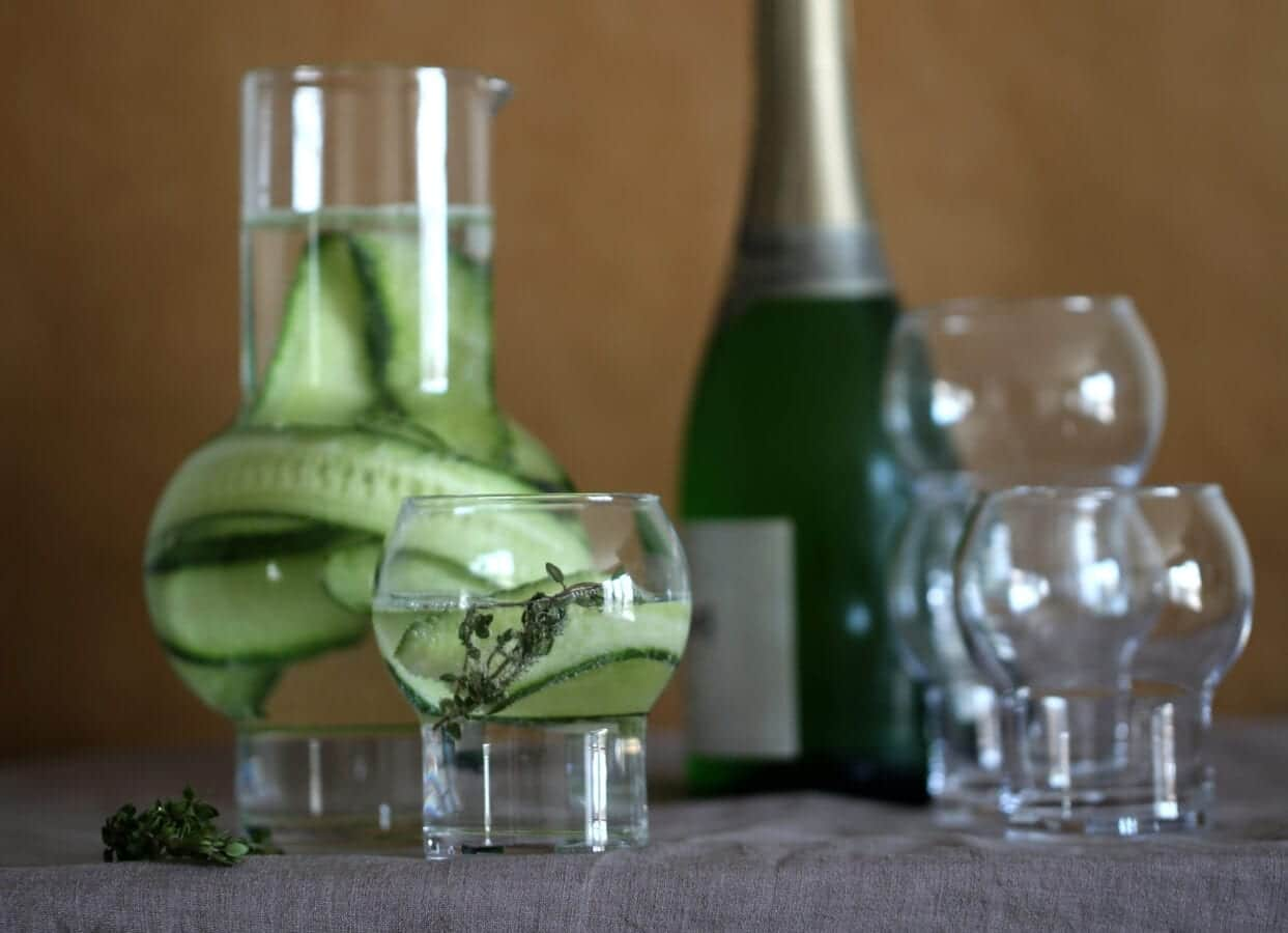 Ro_Carafe&Glass_clear_styling5
