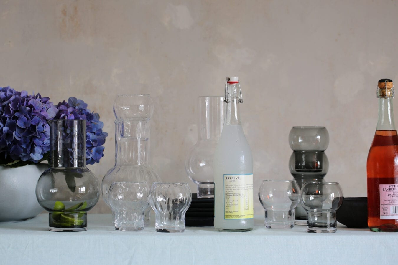 Ro_Carafe&Glass_styling1